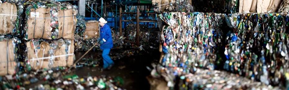 Мусор под госконтролем: кто будет регулировать рынок отходов