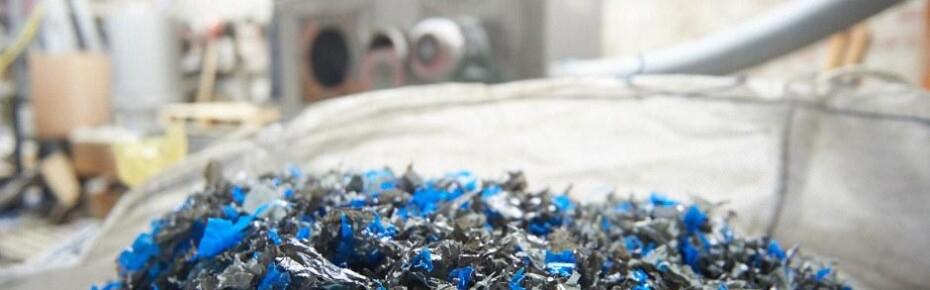 Вечная жизнь пластика: как в Петербурге перерабатывают полиэтиленовые пакеты