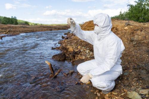 Какие бывают сбросы загрязняющих веществ в водные источники?